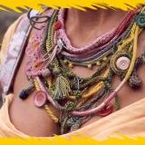 Textilní šperky a doplňky pro inscenaci O ztraceném měšci (1994)